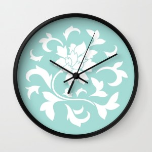 oriental-flower-limpet-shell-wall-clocks