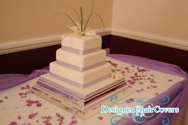 cake square lilac table swags