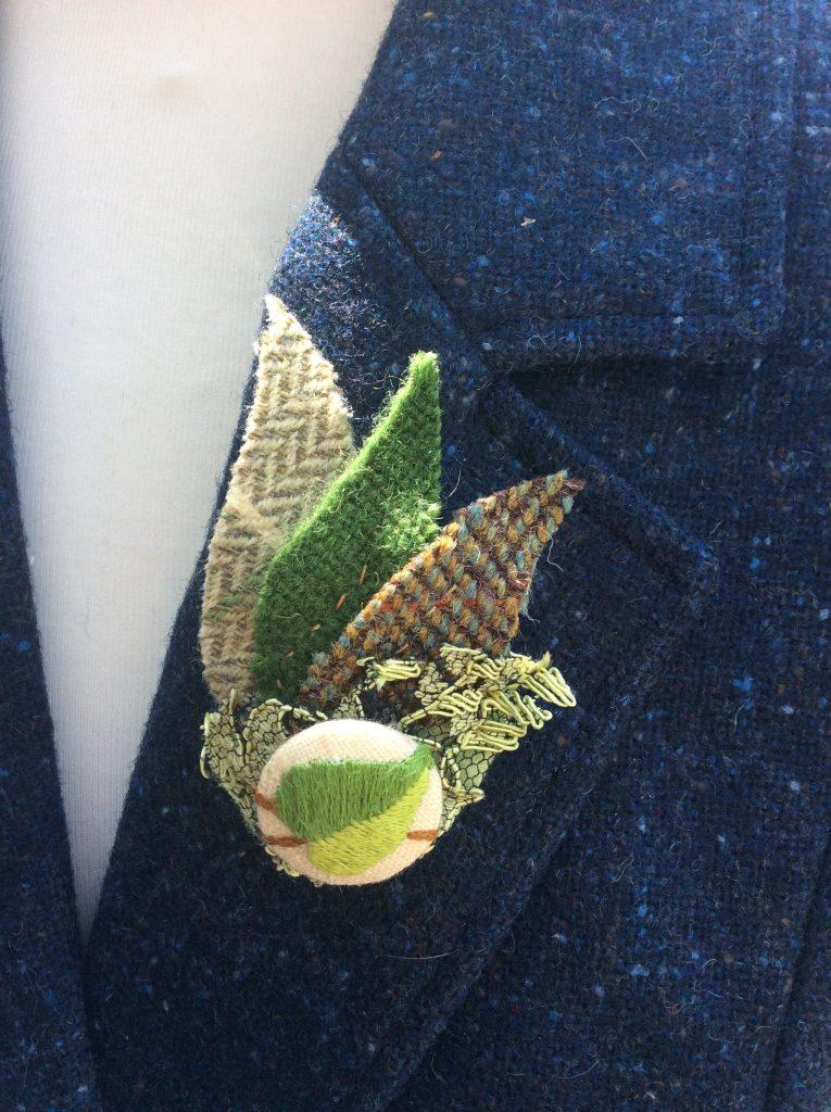 handmade brooch dample