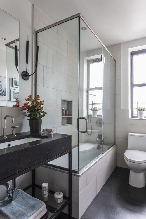 Ann bathroom, glass enclosed tub