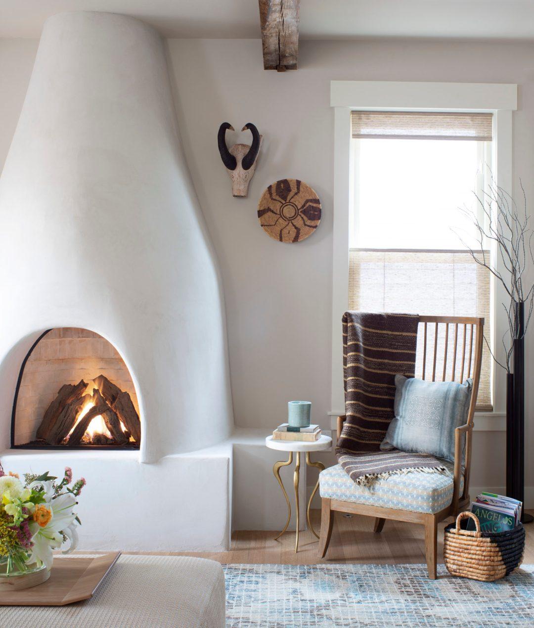 Julee, familyroom., fireplace