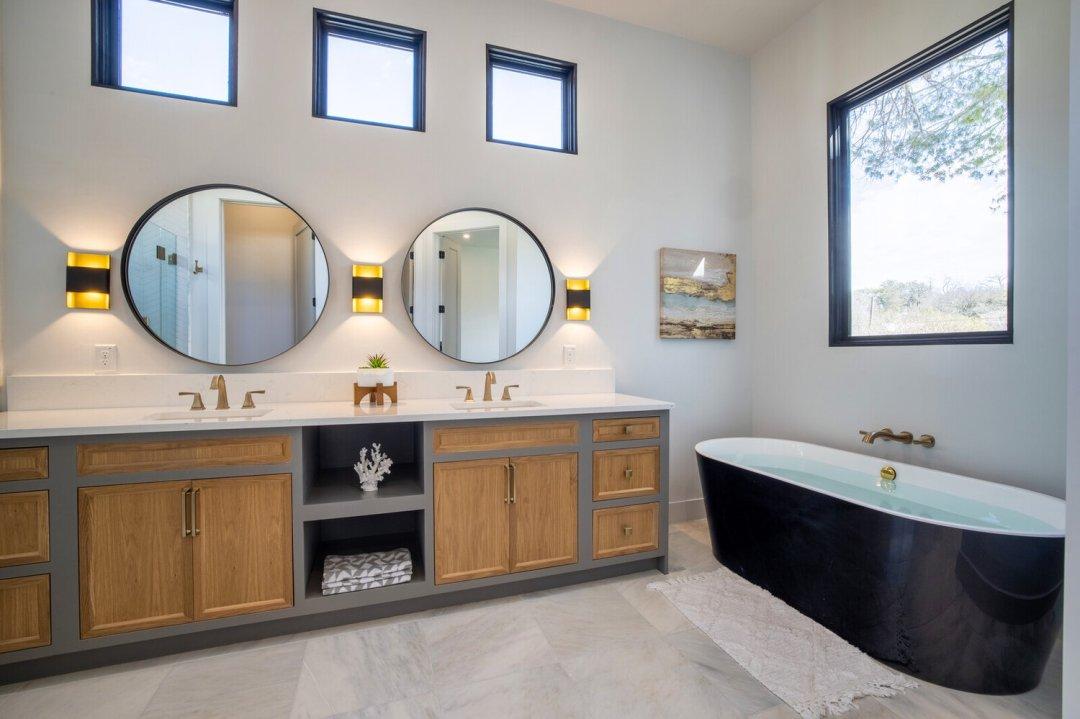 Lenore, Austin, TX designer, bathroom 2