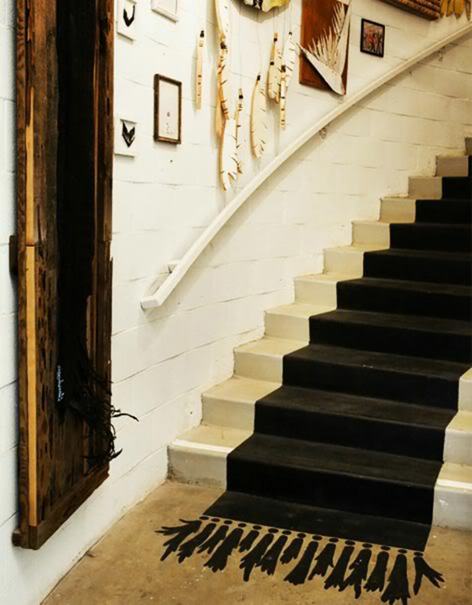 https www designferia com un tapis salon peint qui nest pas comme les autres