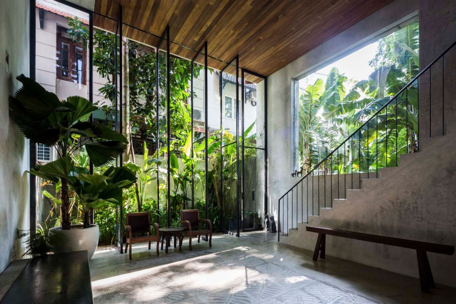 Nishizawa Architects townhouse close to nature in ground floor living