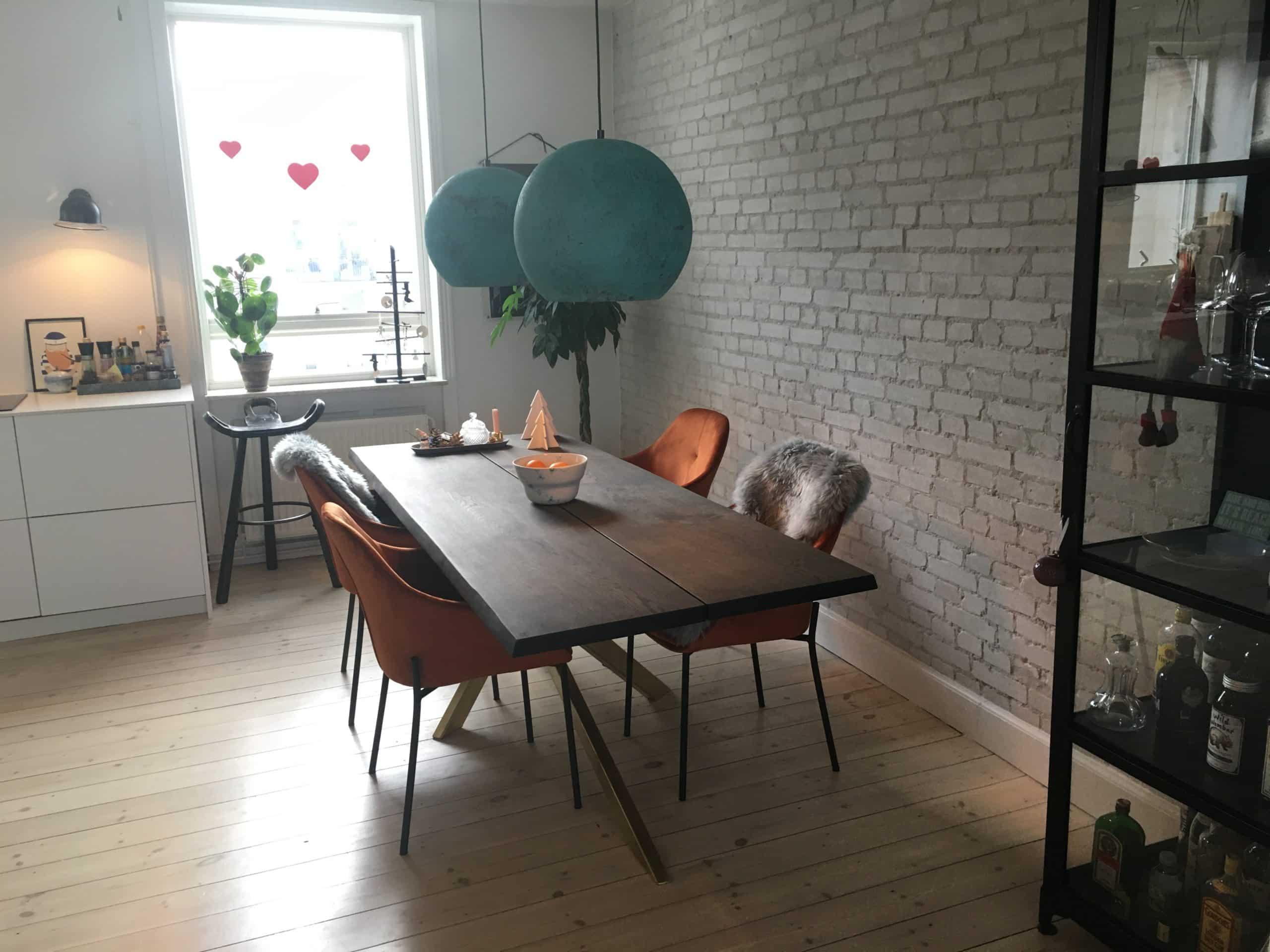 Smukke lamper til den rå væg