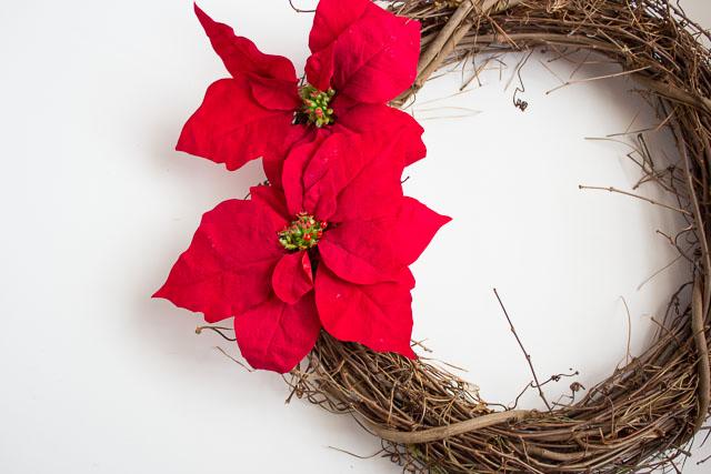 Making a poinsettia wreath
