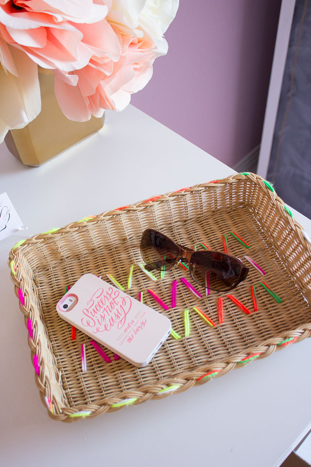 Love this basket decorated with yarn!