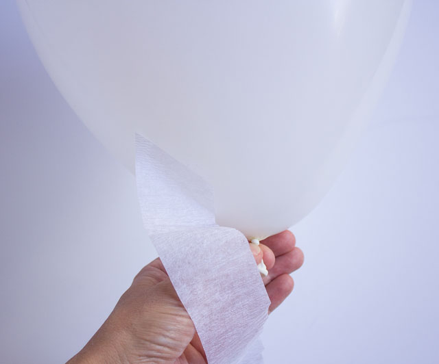 DIY Halloween ghost balloons
