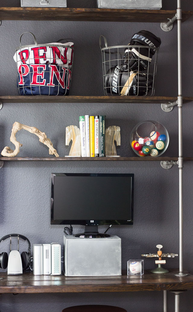 Super helpful tips and tricks for building industrial pipe and wood shelves || http://www.designimprovised.com