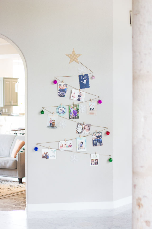 A simple way to display your holiday cards - in the shape of a Christmas tree!