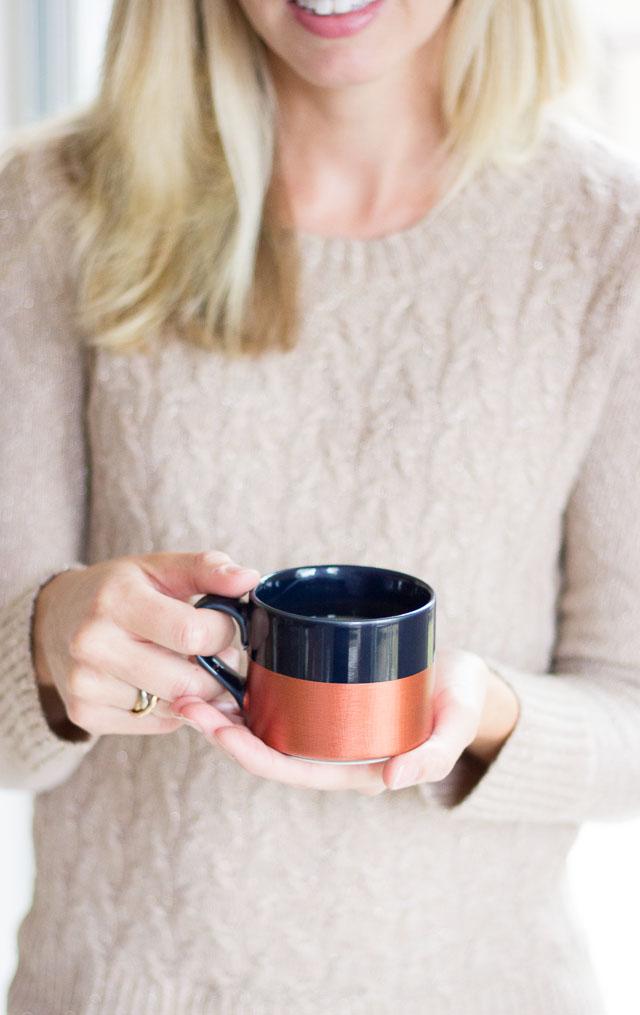 Metallic dipped coffee mugs! || http://www.designimprovised.com