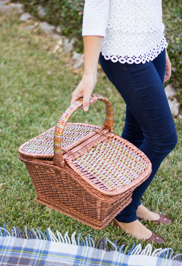 Give a plain wicker picnic basket a mixed metallic makeover!