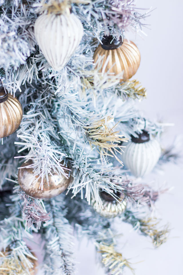 How to spray paint a small Christmas tree