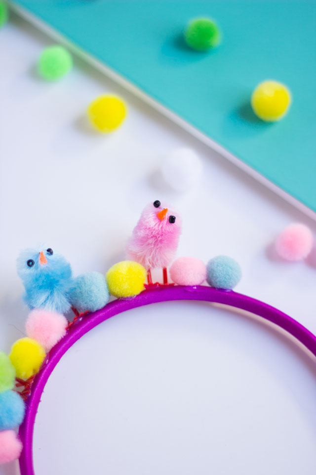 The cutest kids Easter headbands made from baby chicks and pom poms!