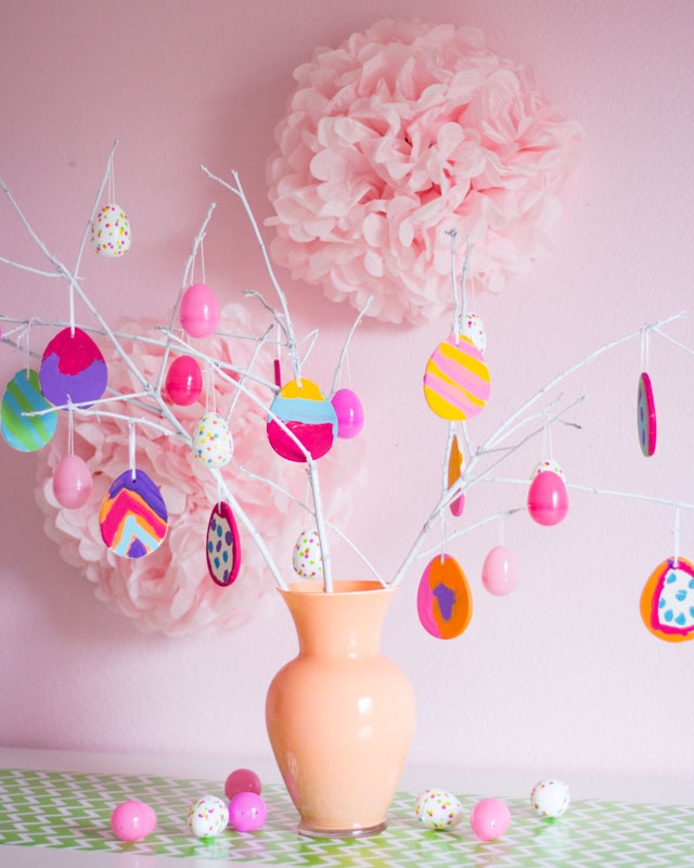 A colorful DIY Easter egg tree craft idea!