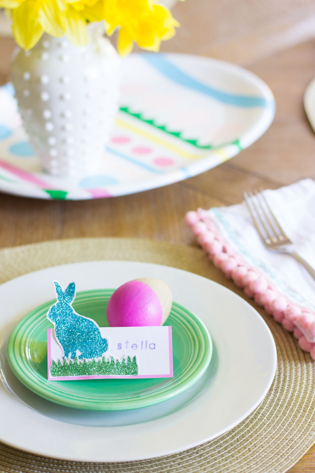 Such a sweet idea for Easter table decorations!