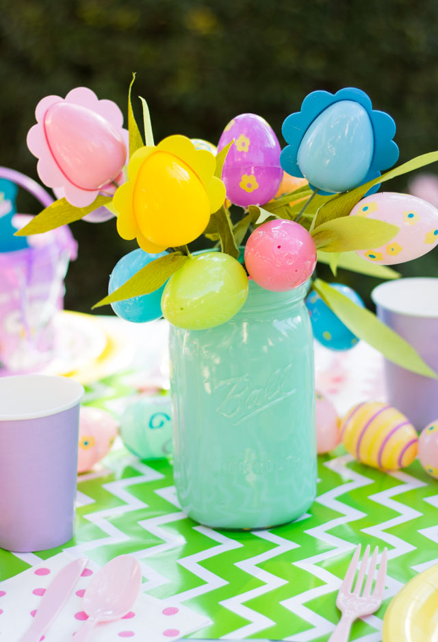 Easter egg flower bouquets - so easy and so cute for an Easter party!