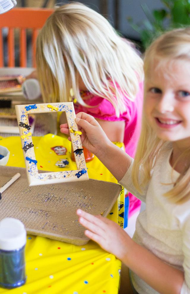 DIY glittered picture frames for kindergarten graduation party