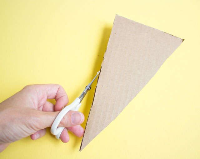 How to trim the edges of cardboard to make it straight