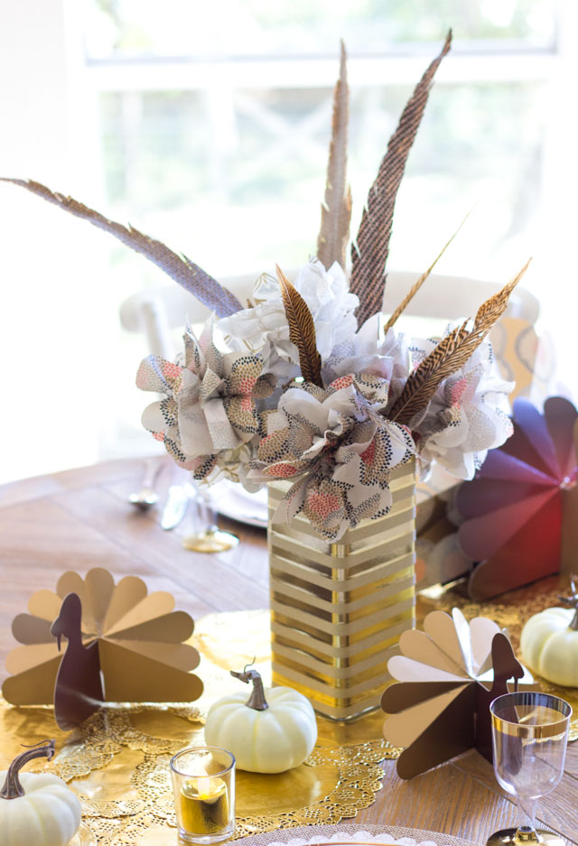 Can you believe this Thanksgiving centerpiece is made from paper napkins?!