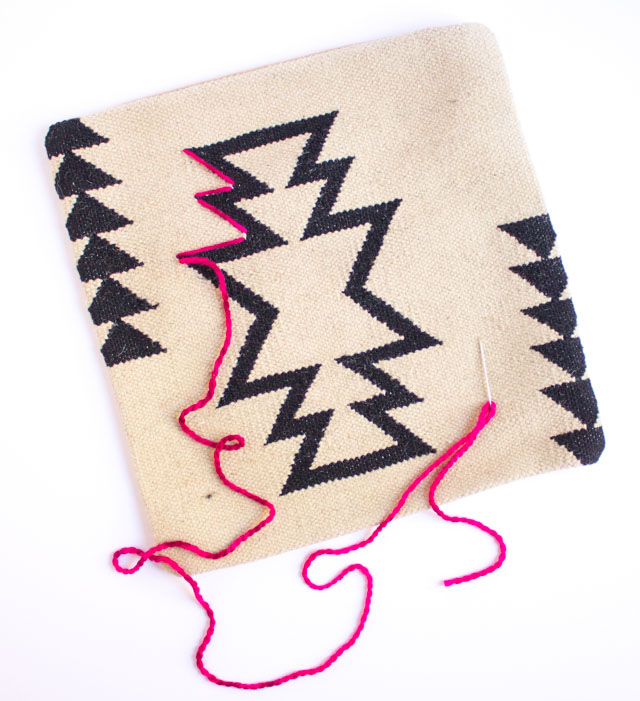 How to embroider on pillows with yarn