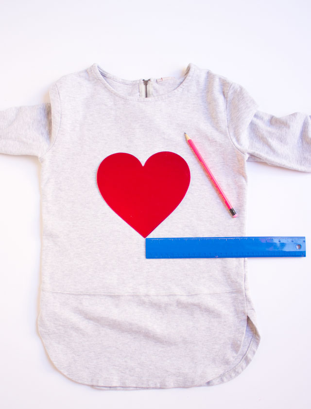 How to make a girls Valentine shirt