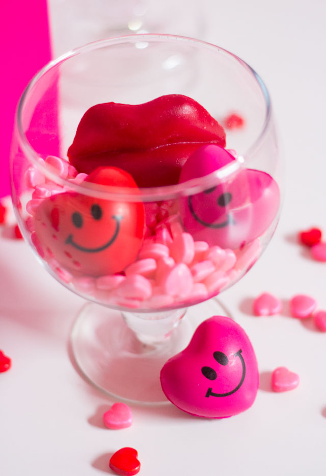 Love these Valentine's Day candy filled jars!