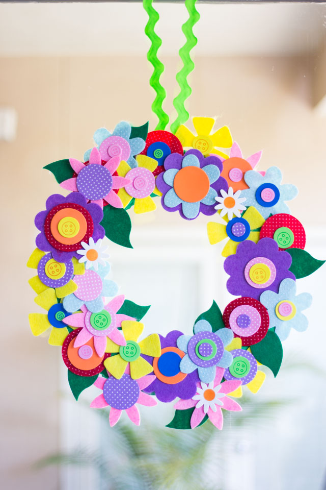 Make this pretty spring wreath from precut felt and foam flowers!