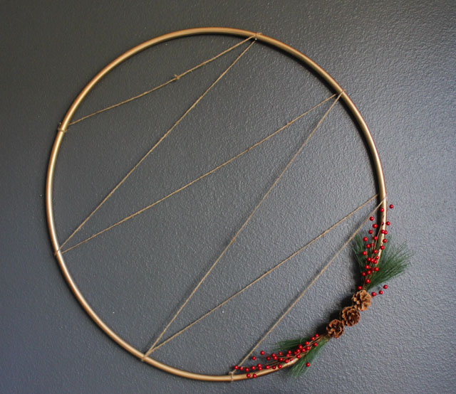 How to make a hula hoop holiday card holder