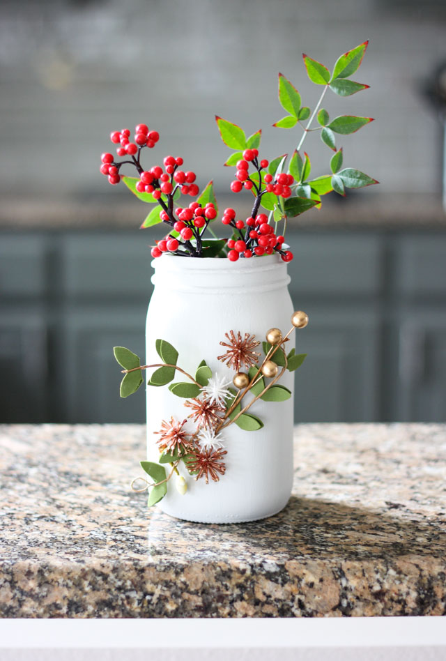 Such a pretty Ball jar craft idea - winter floral vases!