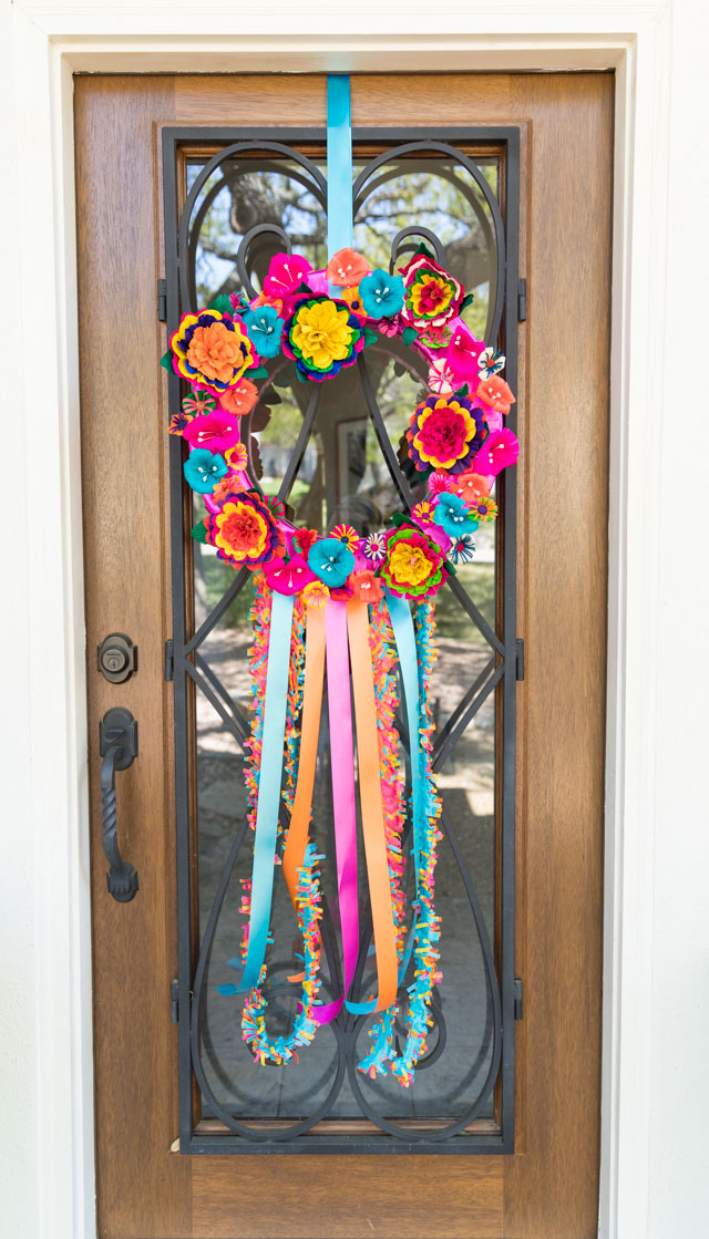 Check out this pretty DIY fiesta wreath idea. Perfect for a San Antonio fiesta or Cinco de Mayo wreath!