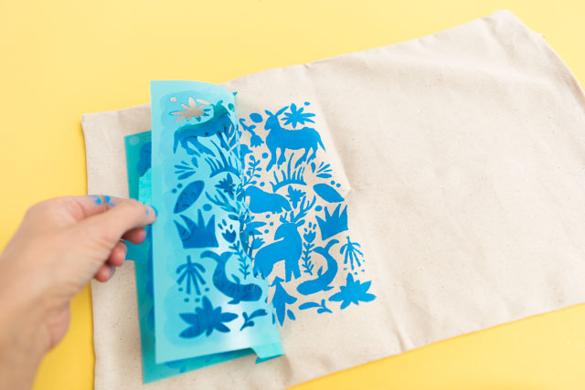 DIY Otomi pillow craft idea #otomi #otomipillow #mothersdaydiy #mothersdaycrafts