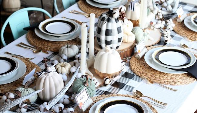 Buffalo Plaid Thanksgiving Table