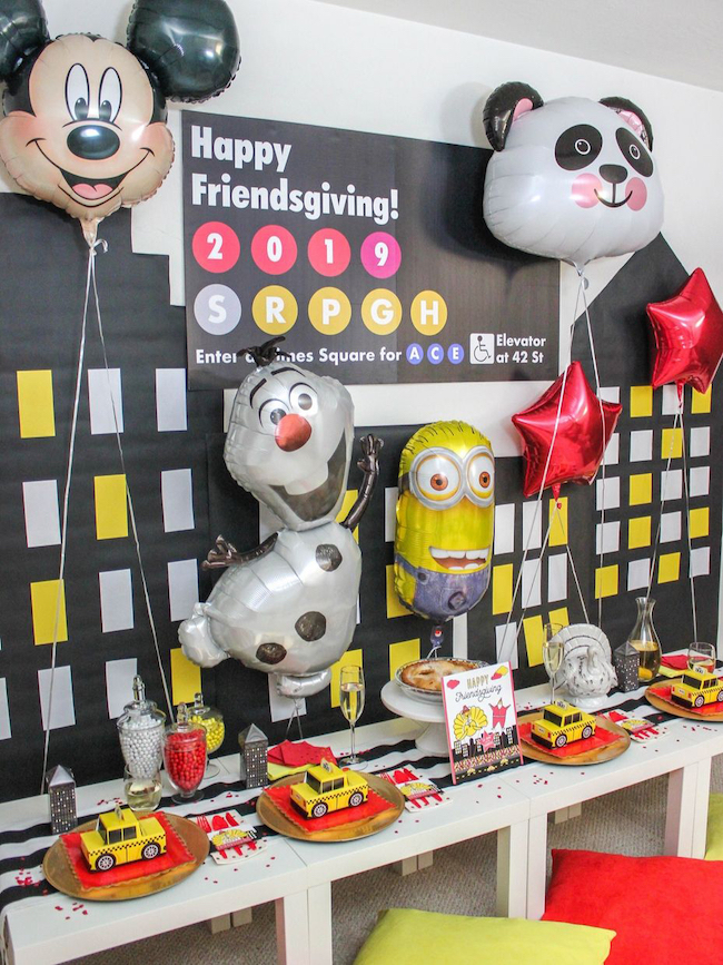 Thanksgiving Day parade themed kids table
