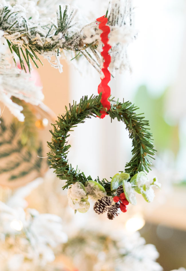 Mini wreath ornament with mason jar ring