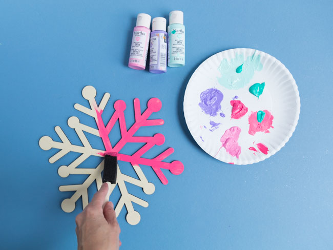 How to paint wood snowflakes
