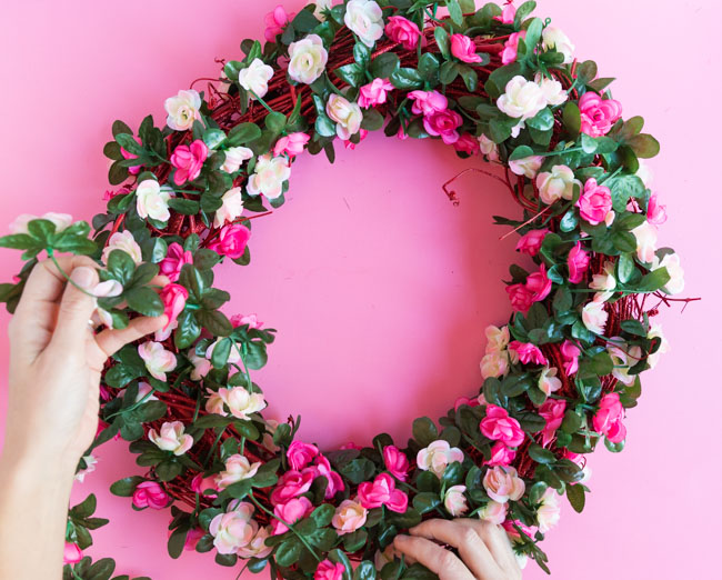 How to wrap a grapevine wreath with floral garland