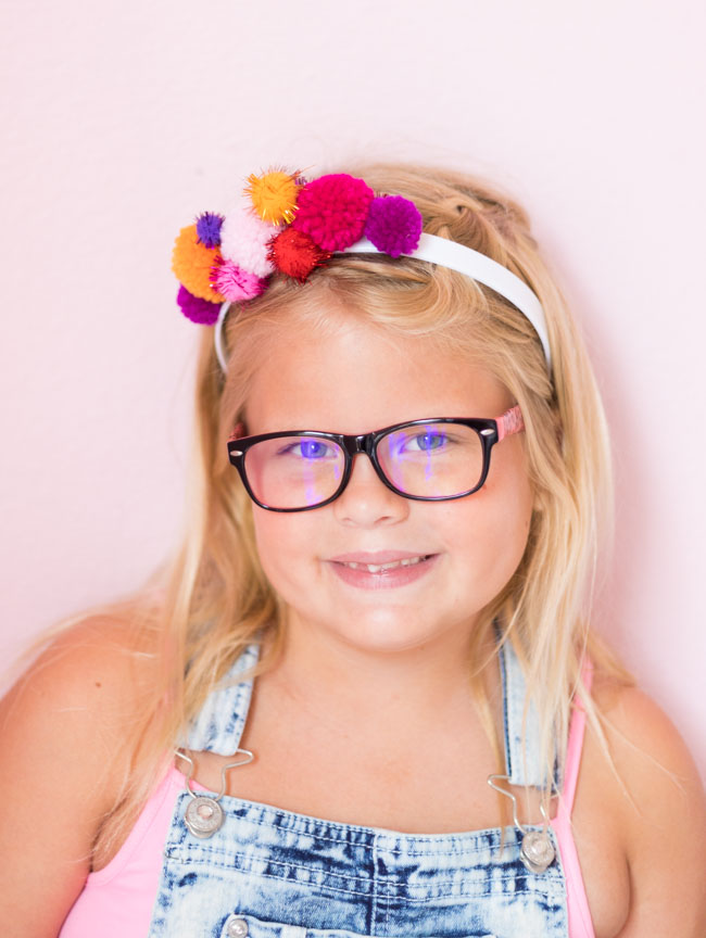 Cute DIY pom-pom headband for kids