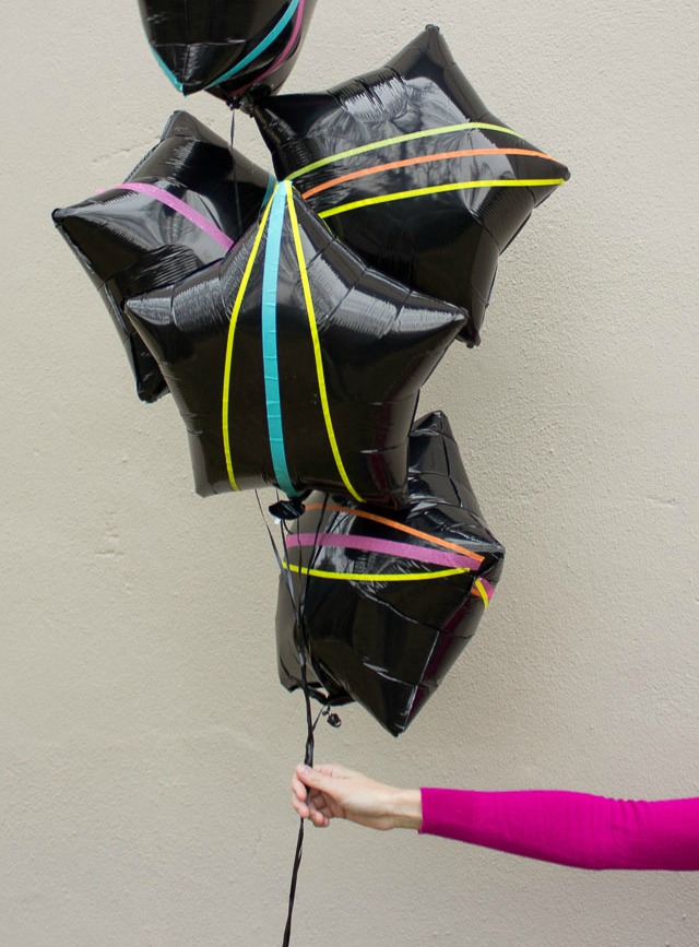 Easy balloon craft: decorate balloons with washi tape