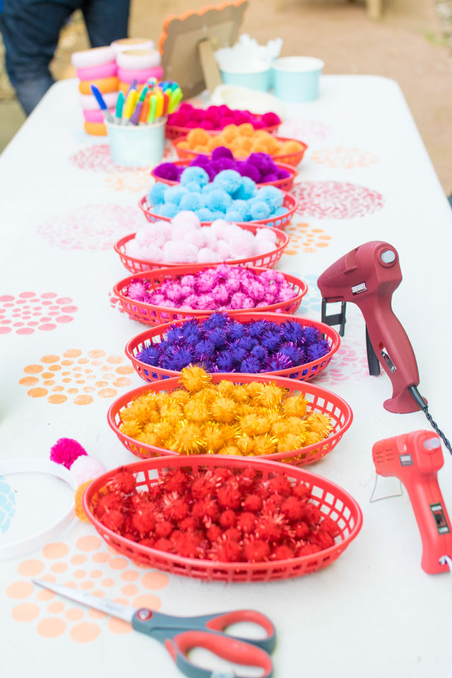 Pom pom craft activity table
