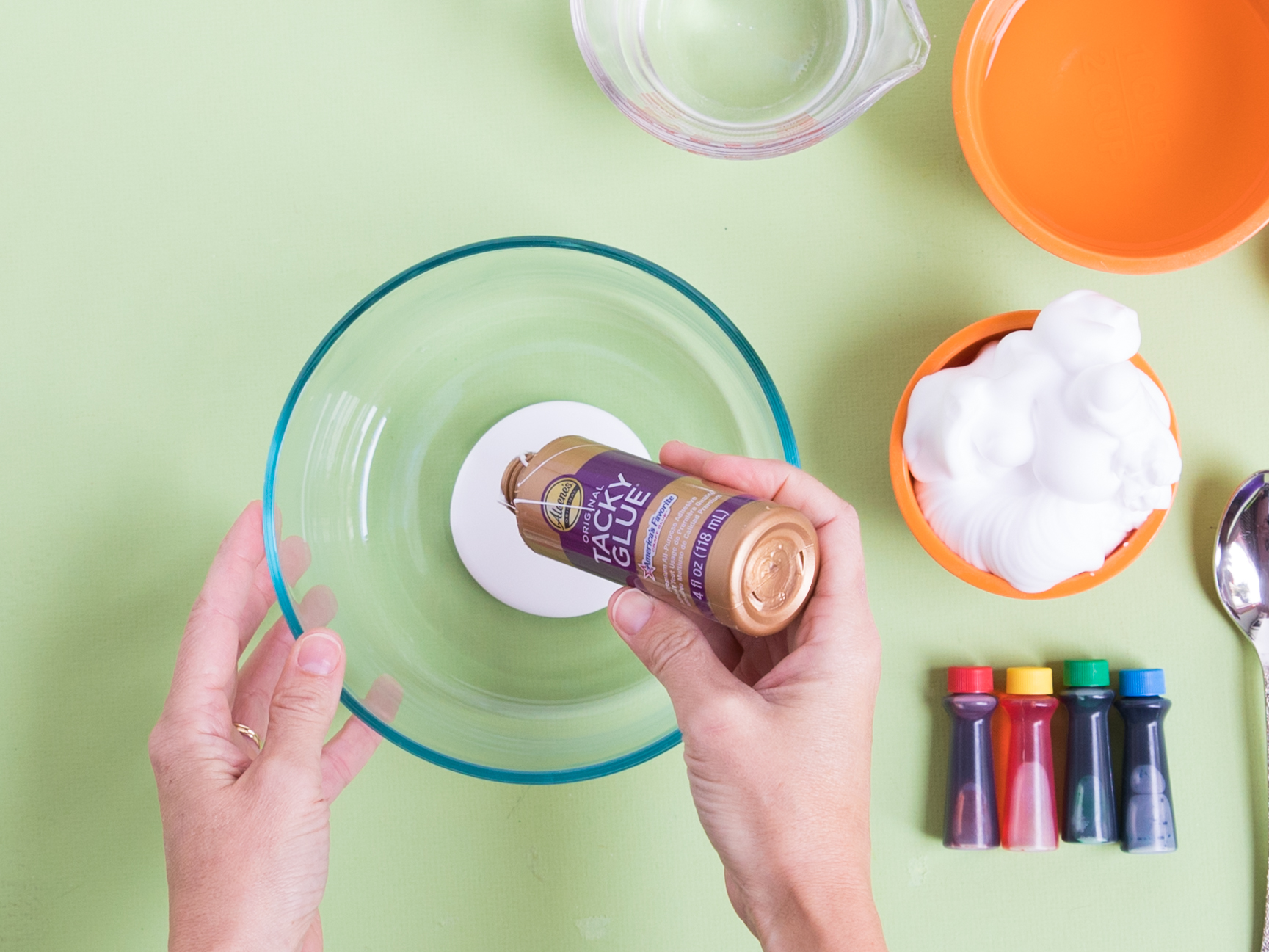 How to make fluffy slime with Aleene's Tacky Glue