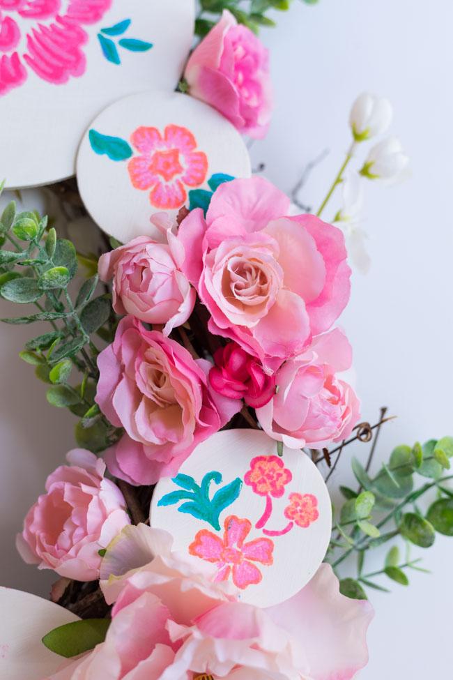 DIY Painted Wood Slice Flower Wreath