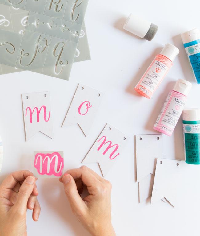 How to stencil a mini banner