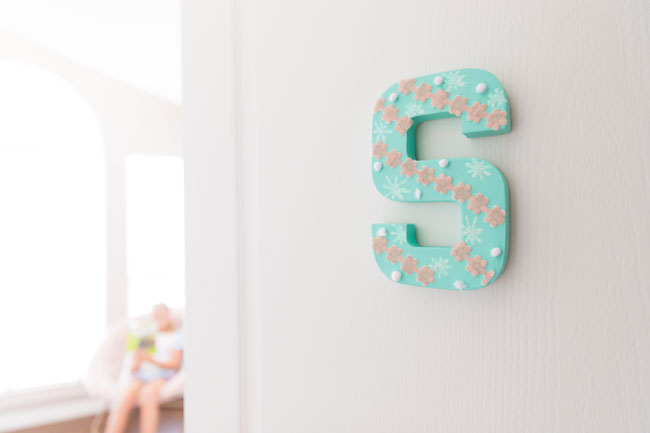 DIY Kids Bedroom Monogram Sign