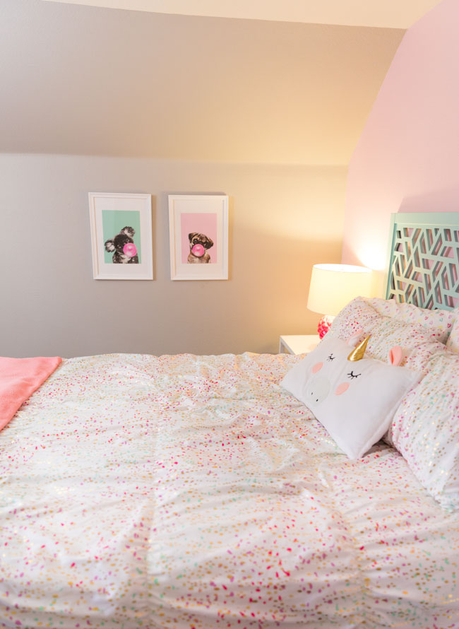 Girls bedroom with Pillowfort Iridescent Comforter