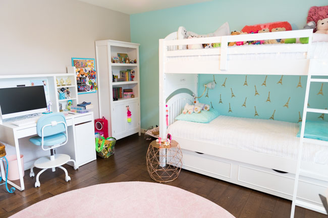 Girls bedroom ideas with bunk beds and teal accent wall