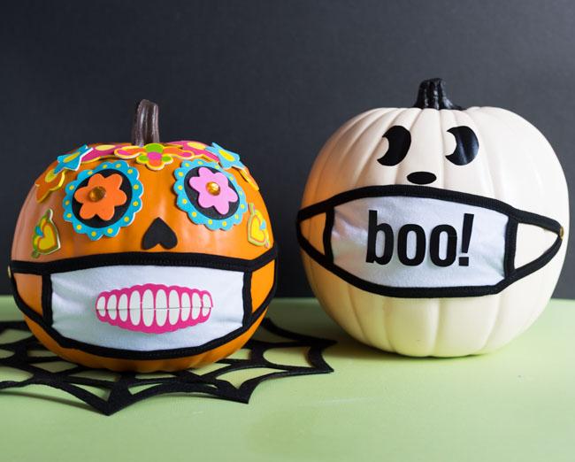 Halloween 2020 pumpkin wearing a face mask