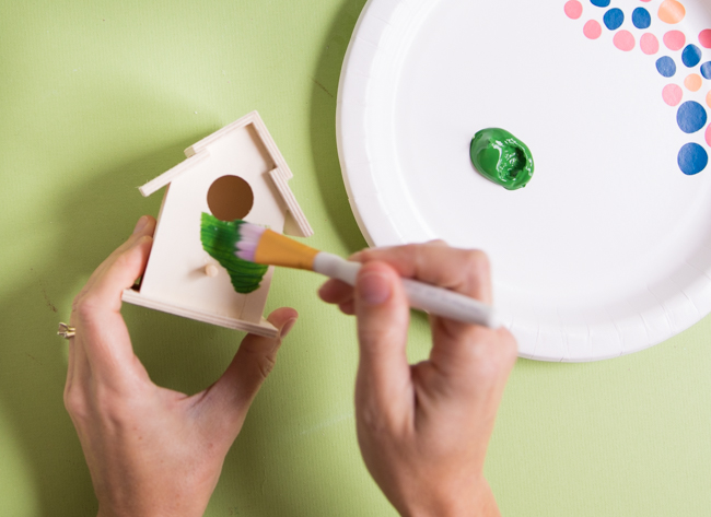 How to paint a wood bird house