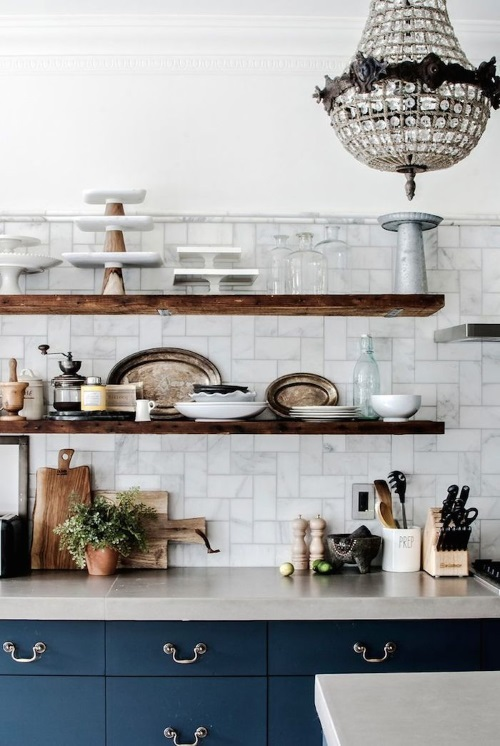 Kitchen Makeovers - Open Shelving in New York Browstone - Phtos by Ty Cole   designlibrary.com.au