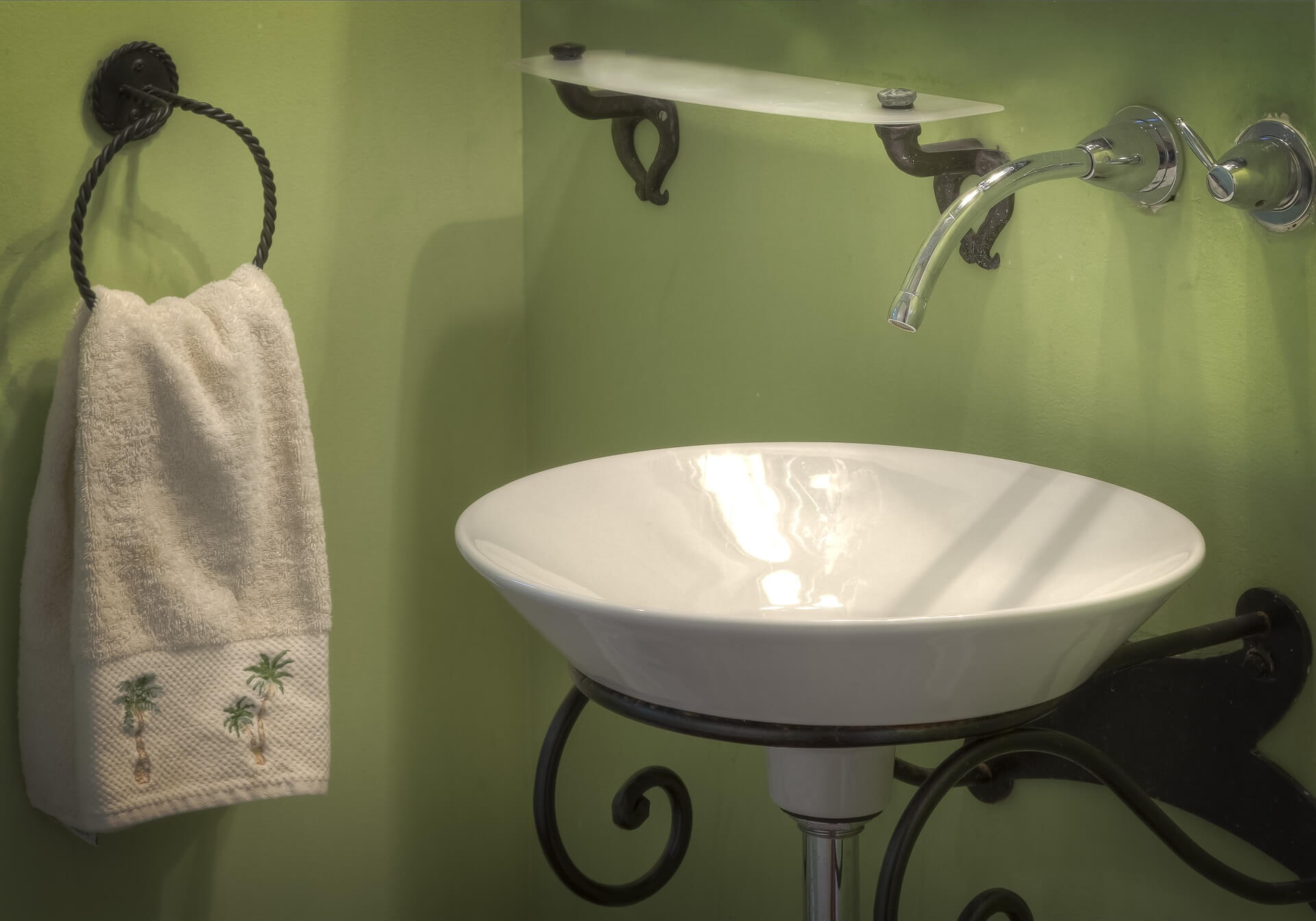However You Decide To Decorate Your Small Bathroom, Creative Storage  Solutions Will Help You Maximise All Available Space And Keep The Whole  Place Looking ...
